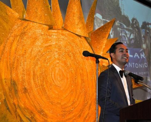 Mayor Julián Castro addresses more than 300 attendees celebrating Bill Sinkin's 100th birthday. Photo by Iris Dimmick.