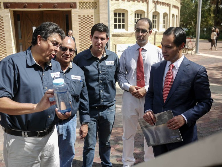 From Left: Luis Beltran, Jesus Moreno, Ryan Beltran, Kaveh Kheradmand, Mayor Julián Castro outside the Pearl Stables during a demonstration of Elequa. Courtesy Photo.