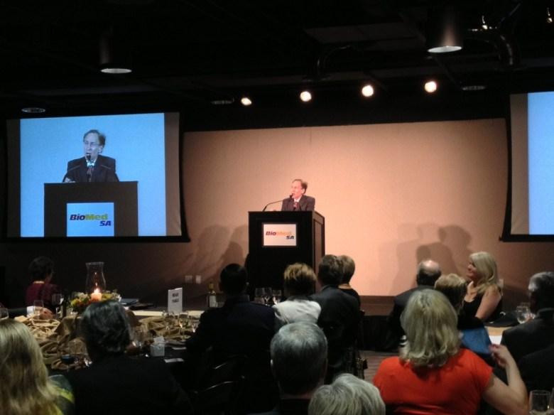 Dr. Langer at the 2013 Palmaz Award.
