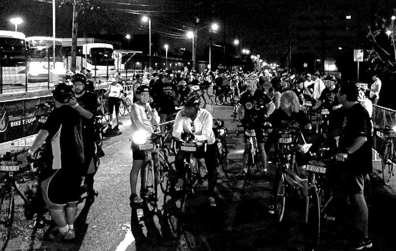 You didn't have to run, but you did have to get up extra early to partake in the Rock 'n' Roll bike tour which shoved off at 6:45 a.m. near Commerce and Cherry St.