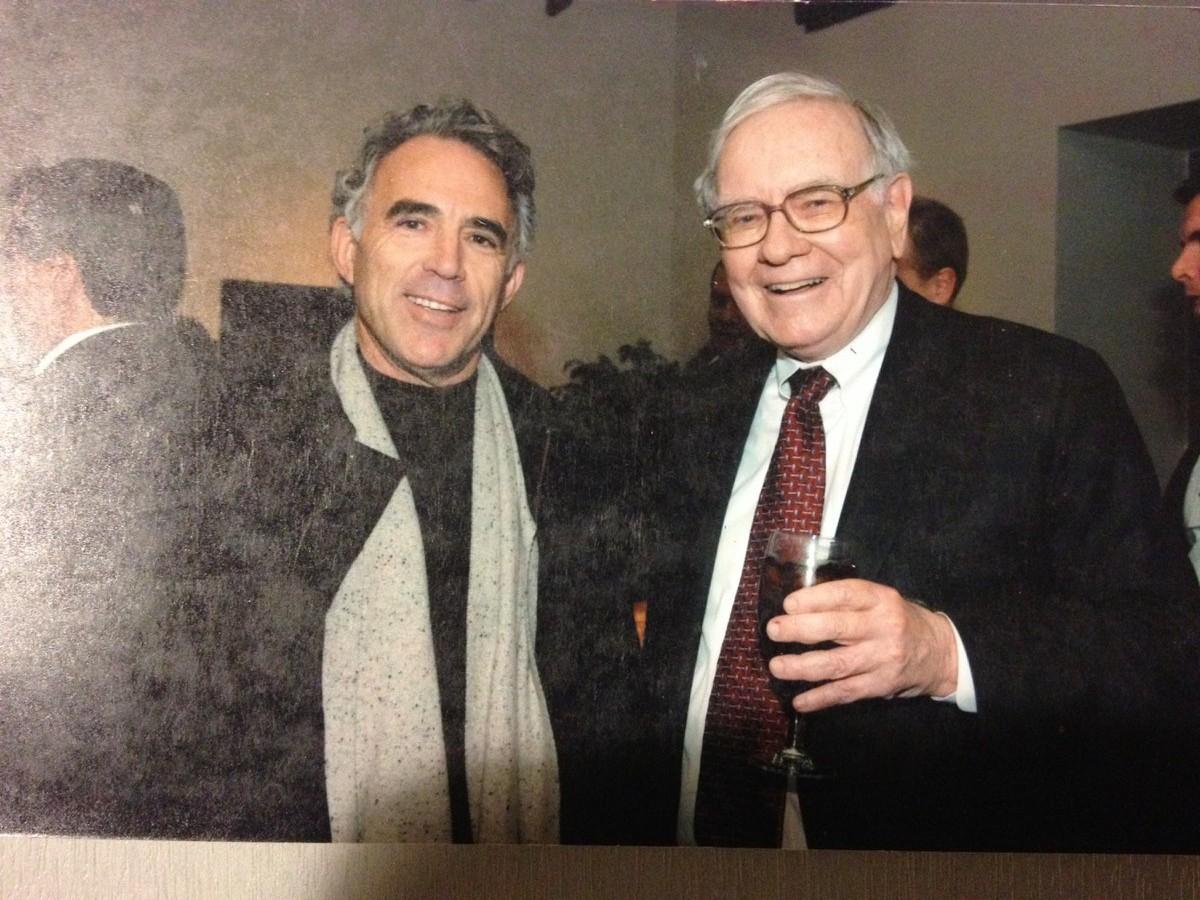 Robert Rivard and Warren Buffett at Biga on the Banks in December 2006. Photo by Monika Maeckle.