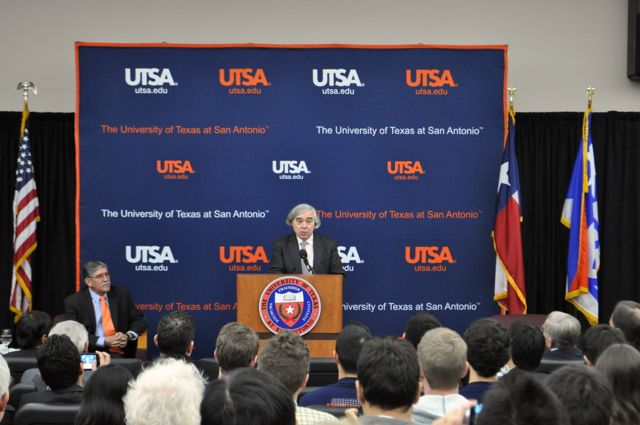 U.S. Energy Secretary Ernest Moniz addresses the large audience gathered for the town hall forum at UTSA's downtown campus. Photo by Iris Dimmick.