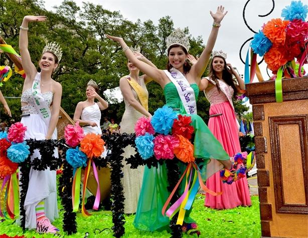 The 2013 Battle of Flowers Parade. Photo courtesy of Fiesta San Antonio/©JONATHAN ALONZO PHOTOGRAPHY.