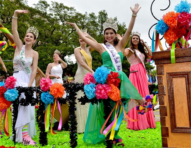 The 2013 Battle of Flowers Parade. Photo courtesy of Fiesta San Antonio/©JONATHAN ALONZO PHOTOGRAPHY.