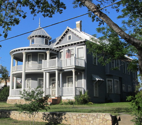 A home in Government Hill, San Antonio. Photo by Grant Ellis.