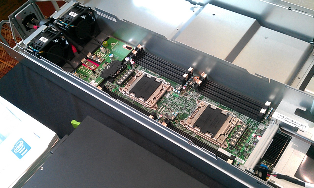 This server can have between 20 and 40 processor cores. Your laptop is lucky to have four. Photo by Andrew Moore.