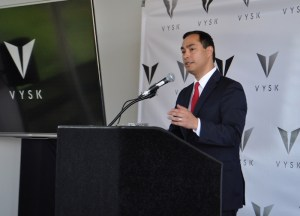 Congressman Joaquin Castro addresses the crowd during the VYSK media event/expansion and product announcement May 15, 2014. Photo by Iris Dimmick.