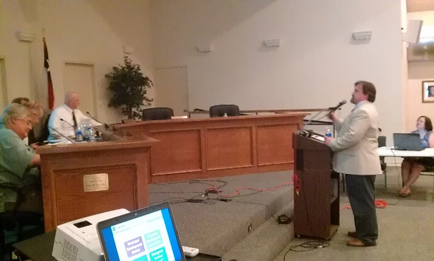 Texas Comptroller Consultant Ty Myrick addresses Castle Hills City Council. Photo by Andrew Moore.