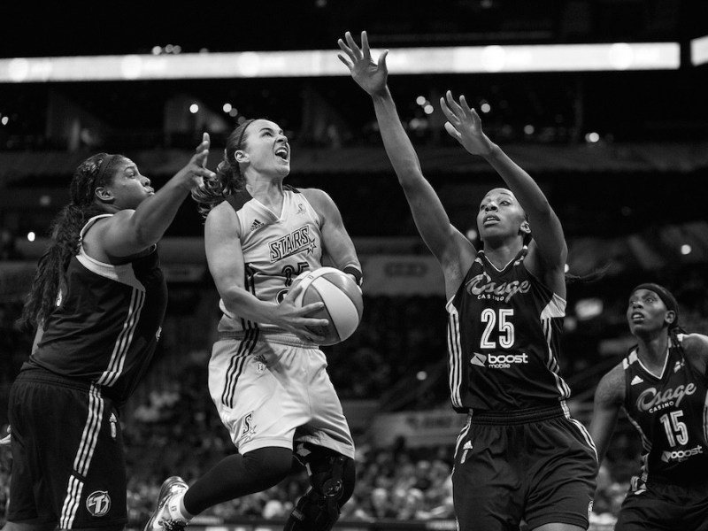 San Antonio Stars veteran Becky Hammon drives the lane against multiple defenders. Photo by Scott Ball.