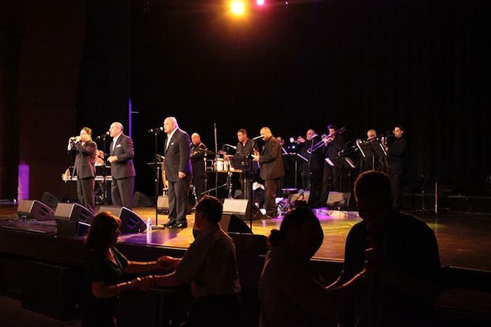 The lights play cool as the Spanish Harlem Orchestra plays hot to the salsa beat. Photo by Melanie Robinson.