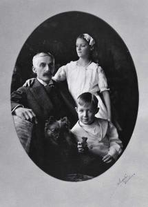 Paul and Ailsa Mellon with Father, ca. 1913. National Gallery of Art Museum Archive, Washington, D.C.