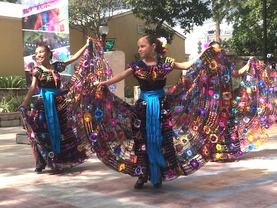 Young members of the folklorico group Alma Gitana perform during the Diez y Seis de Septiembre press conference. Photo by Katherine Nickas.