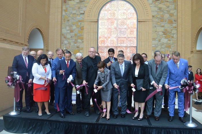 The ribbon cutting ceremony at A&M-SA's new new Central Academic Building. Photo courtesy of A&M-SA.