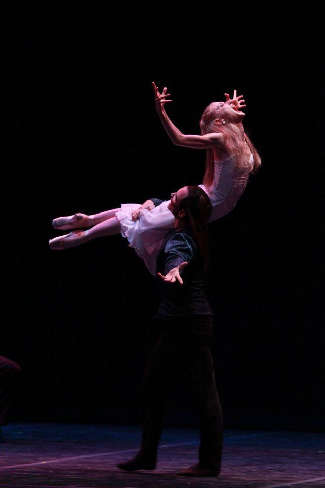 The lovely Mina (Sarah Pautz) is transformed into the Bride of Dracula (Ian Morris). Photo courtesy of Ballet San Antonio.