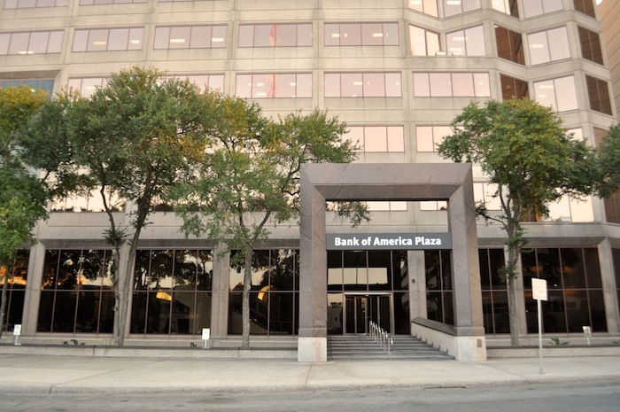 Main entrance to the Bank of America Plaza at 300 Convent Street. Photo by Iris Dimmick.