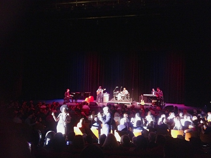Chris Botti and vocalist Sy Smith get up close and personal with the crowd at Laurie Auditorium. Photo by Adam Tutor.