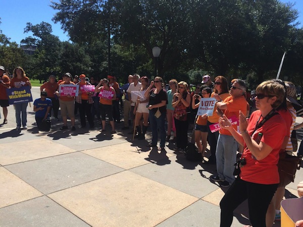 A pro-choice rally Friday at the Capitol. Photo courtesy of Lindsay Rodriguez.