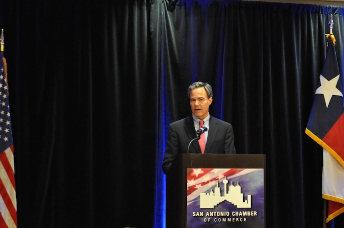 Texas House Speaker Joe Straus (R-Dist. 121) speaks at the San Antonio Chamber of Commerce luncheon. Photo by Iris Dimmick.