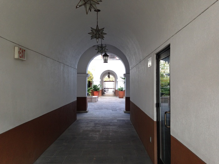 San Fernando Office Courtyard, hidden behind 7-11 at Commerce and Flores Streets. Photo by Scott Gustafson.