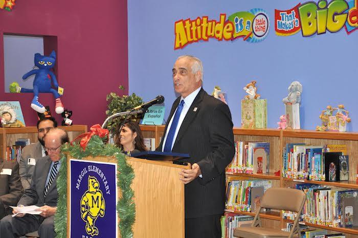 SAISD Superintendent Slyvester Perez speaks at the San Antonio Hispanice Chamber of Commerce event at Margil Elementary School. Courtesy photo.