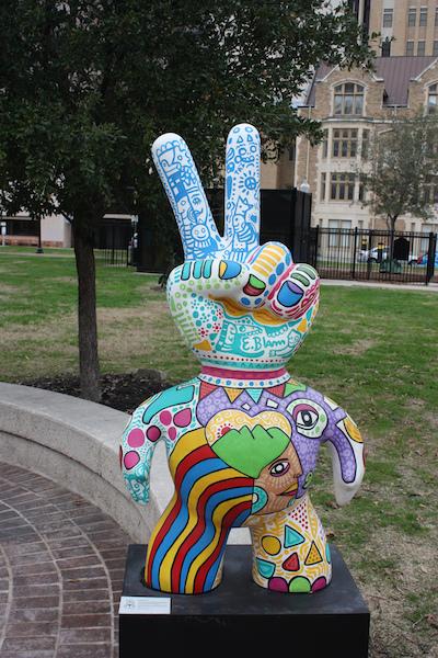 Sculpture in Travis Park designed by Eliezer Blanco. Photo by Kay Richter.