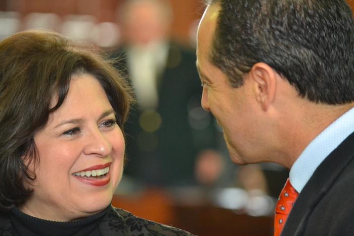 Outgoing Sen. Leticia Van de Putte talks with Sen-elect José Menéndez after her farewell speech to the Texas Senate. Courtesy photo.