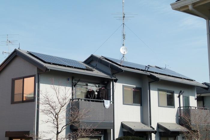 Residential rooftop solar. Image via Flickr user Bernd.