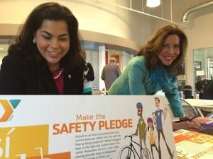 Council members Rebecca Viagran (D3) and Shirley Gonzales (D5) take the Síclovía Safety Pledge. Photo by Robert Rivard.