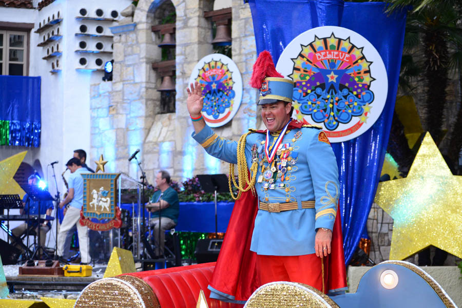 King Antonio waives to the crowd at the 2015 Texas Cavaliers Parade. Photo by Matthew Hiebel.