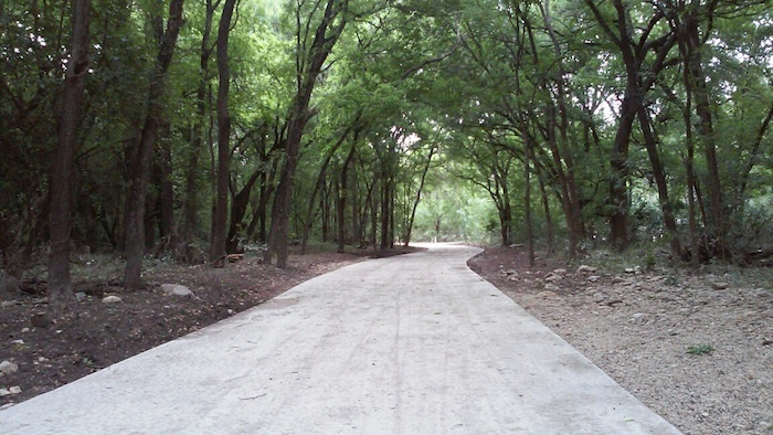 The new Olmos Basin Park trail. Photo by Edmond Ortiz.