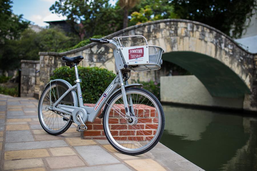 A San Antonio B-Cycle next to the San Antonio River. Photo by Scott Ball.