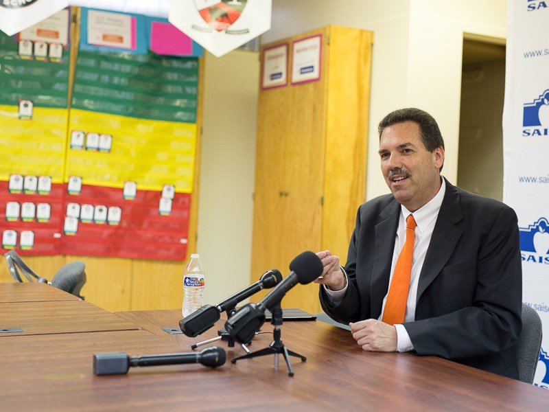 SAISD Superintendent Candidate Scott Muri speaks at a SAISD meeting. Photo by Scott Ball.