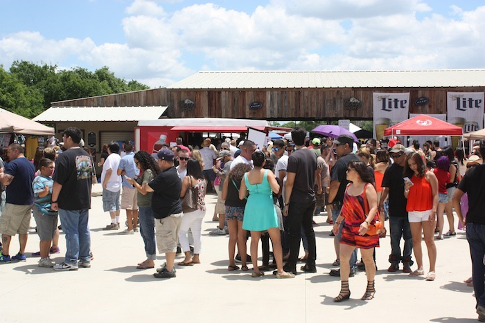 The crowded fairground during the 2015 Barbacoa & Big Red Festival. Photo by Kay Richter.