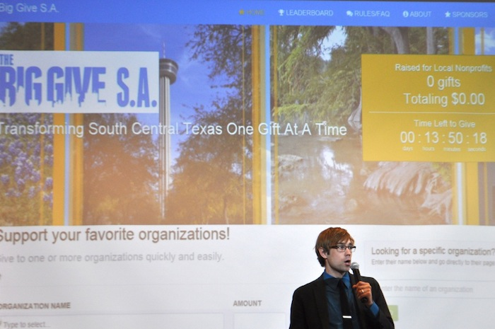 Nonprofit consultant John Burnham quickly goes over how the The Big Give SA's website works for donors and nonprofit organizations. Photo by Iris Dimmick.
