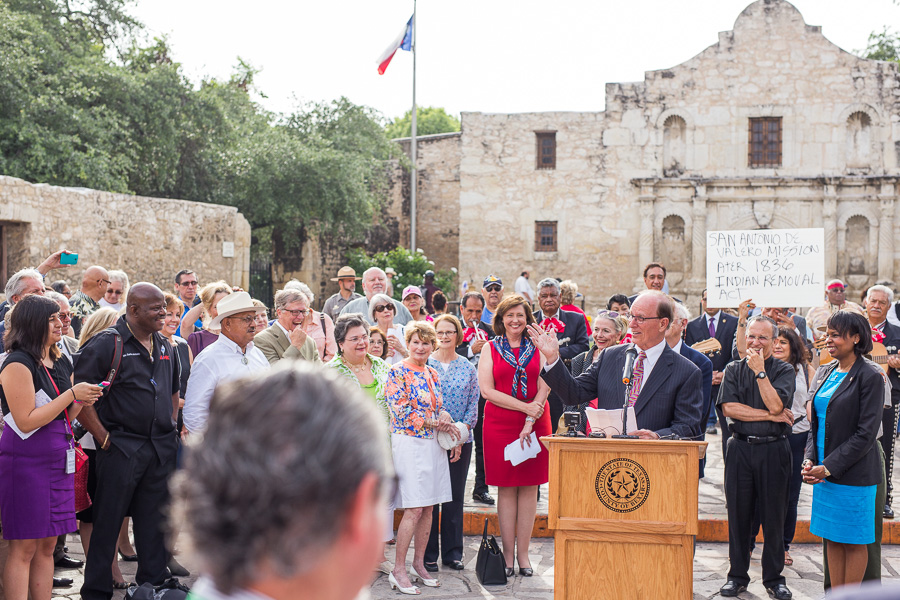 Judge Nelson Wolff thanks supporters of the San Antonio Missions. Photo by Scott Ball.