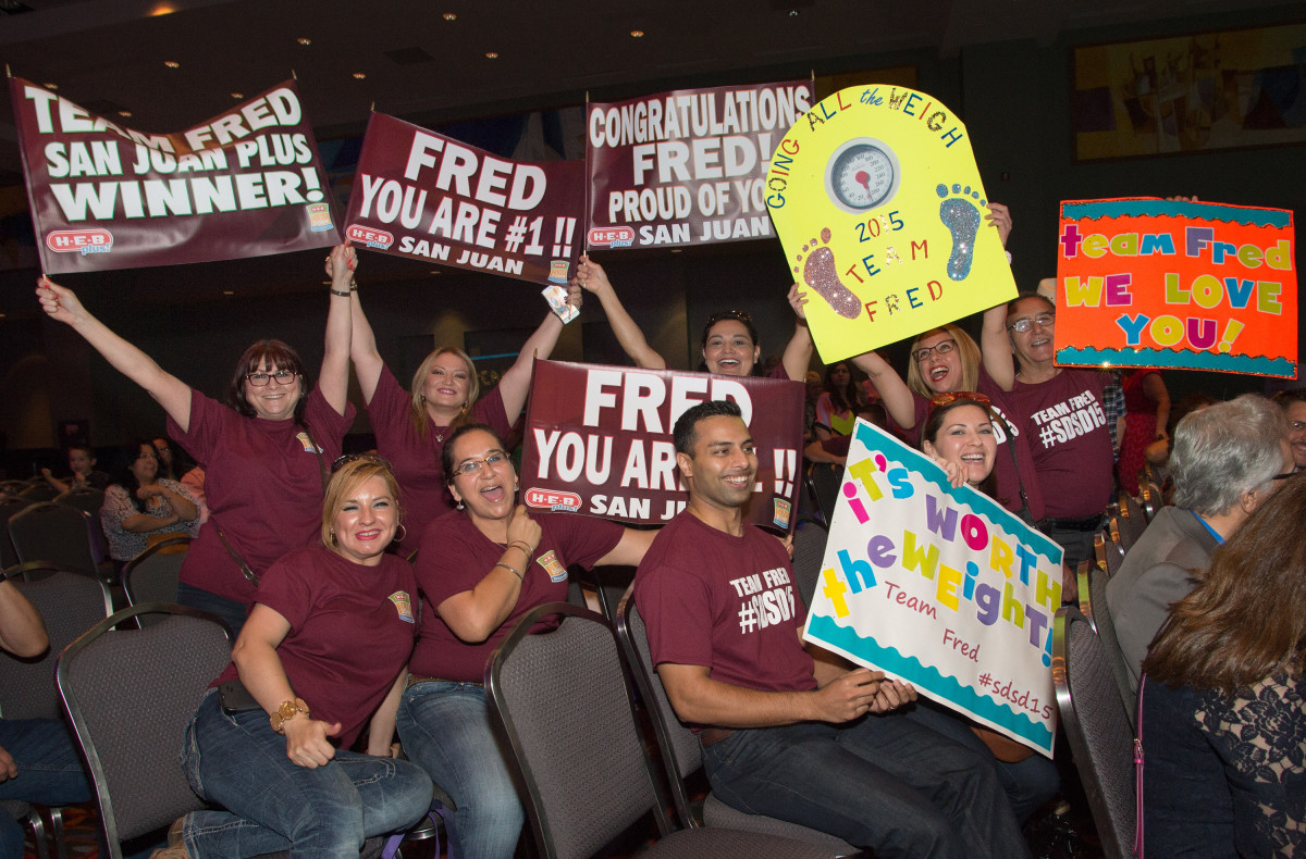 Friends and family cheer on Fred Trevino for his hard work during the 2015 H-E-B Slim Down Showdown Finale. Photo courtesy of H-E-B.