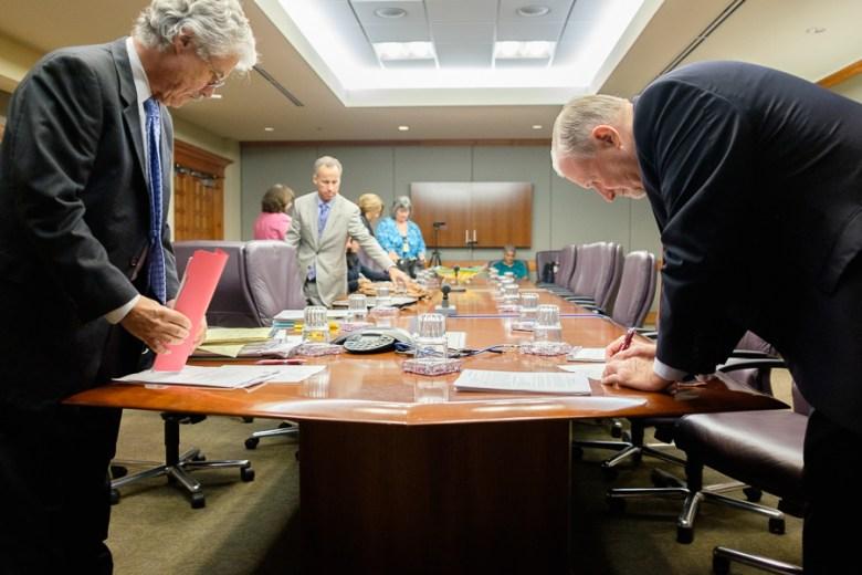 SAPOA lead negotiator, Ron DeLord, (right) and the city's lead negotiator,Jeff Londa (left), prepare for discussion. Photo by Scott Ball.