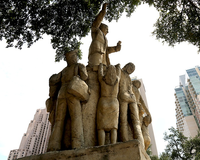 A statue of Samuel Compers, the first president of the American Federation of Labor, on Market Street in San Antonio. Photo by Kay Richter.