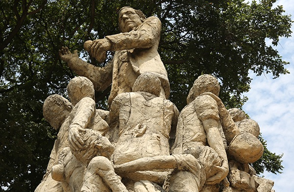 A statue of Samuel Gompers, the first president of the American Federation of Labor, on Market Street in San Antonio. Photo by Kay Richter.