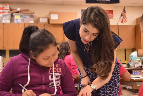 Gladys Hernandez, seen here working with TFA at Bowden ES, is now a STEM coordinator at the DoSeum. Photo courtesy of TFA.