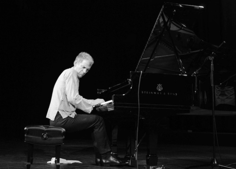 Brad Mehldau on stage at the Aztec Theatre. Photo by Stephanie Crain.
