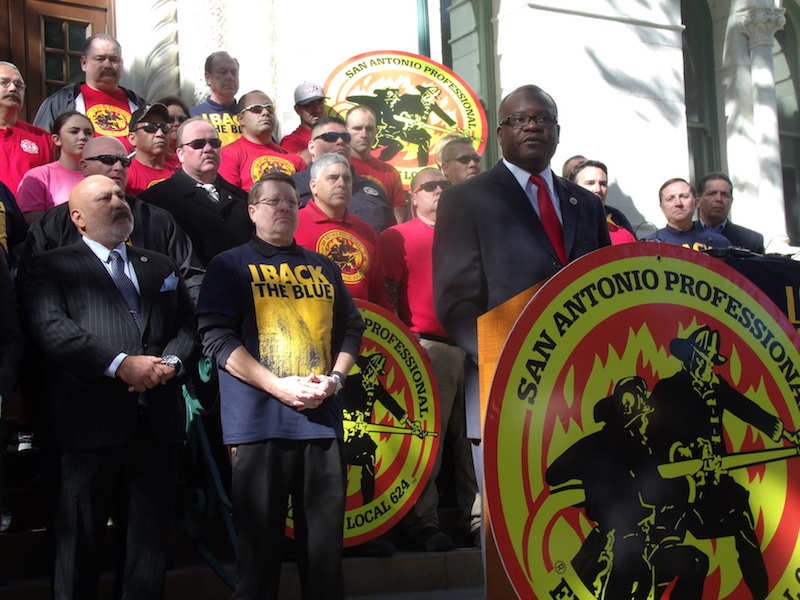 Chris Steele, San Antonio Professional Firefighters Association president, speaks at City Hall on Thursday, Dec. 17, 2015, about the City's collective bargaining lawsuit. Photo by Edmond Ortiz