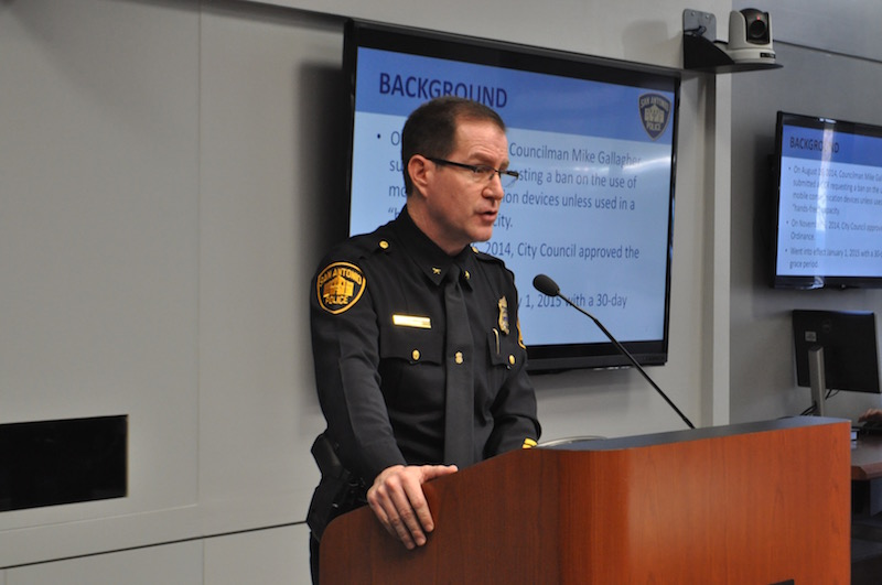 Deputy Chief Anthony Treviño discusses the hands-free driving ordinance. Photo by Lea Thompson.