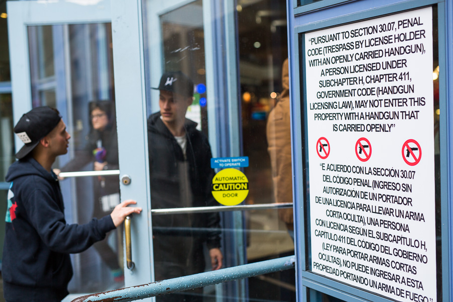Rivercenter Mall prohibits open carry as described by the signs posted at it's entrances. Photo by Scott Ball.