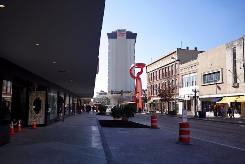 Construction crews are wrapping up work on H&M's display windows (left) on South Alamo Street. Photo by Iris Dimmick.