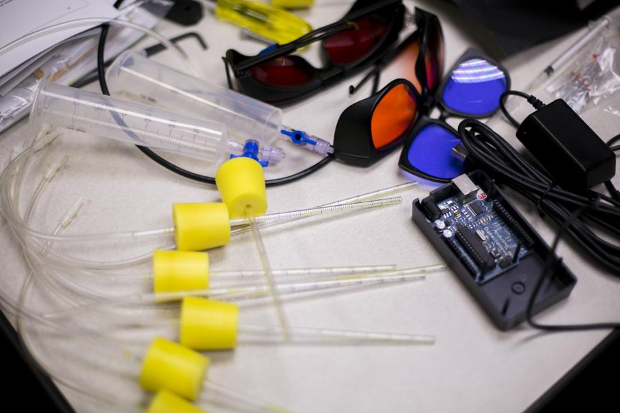 Inside a UTSA integrated biomedicine lab. Photo by Kathryn Boyd Batstone