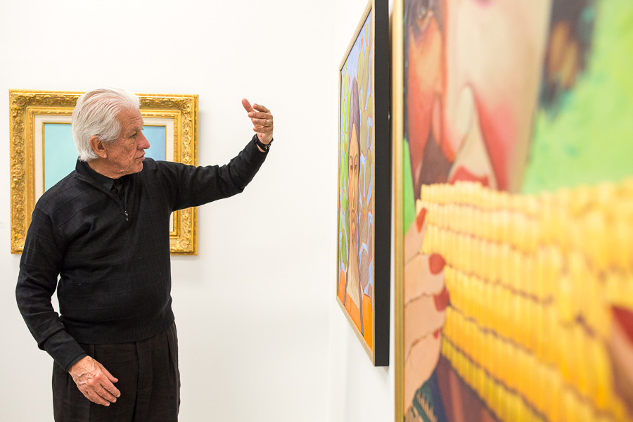 Lionel Sosa describes his technique and process behind his work. Photo by Scott Ball.