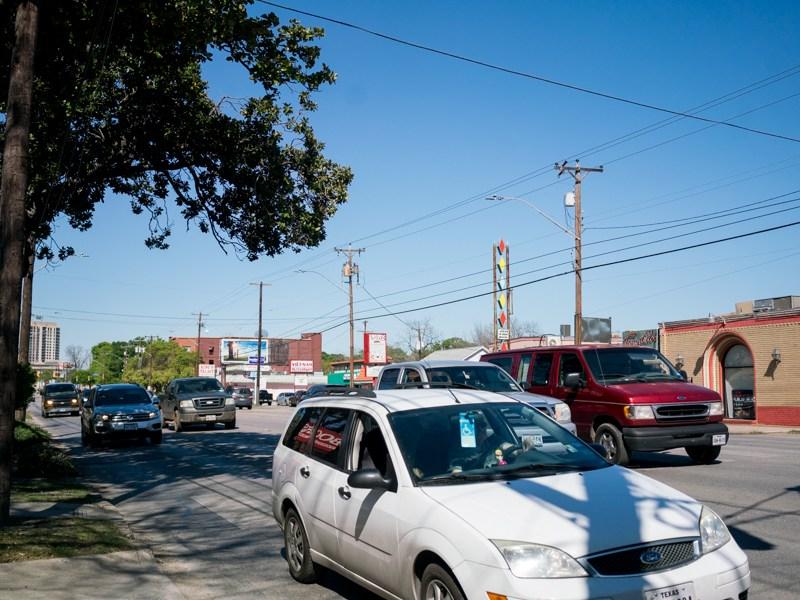 Heavy traffic along Broadway St is a constant. Photo by Kathryn Boyd-Batstone