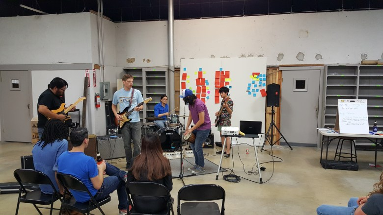 Every Las Raices concludes with a free-for-all jam session led by Omar Rosel of fishermen.  Photo courtesy of SASG