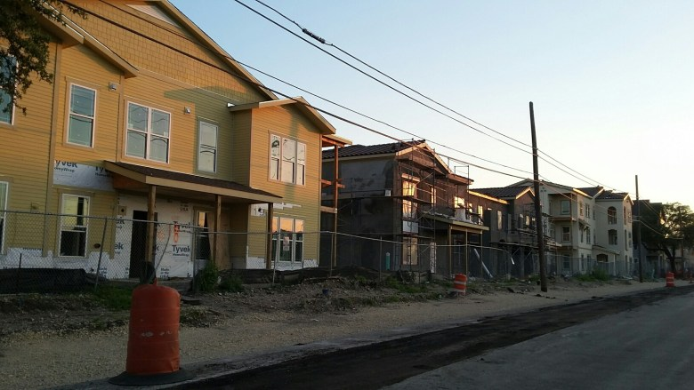 East Meadows mixed-income housing is under construction on the site of the former Wheatley Courts housing project site, promising safe, affordable new housing to Eastsiders. Photo by Edmond Ortiz